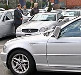 Вносът на стари коли - по-евтин, все пак