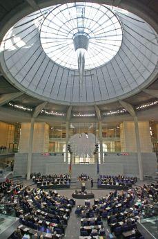 """Бундестагът: Голямо """"да"""", но с предпазни клаузи"""