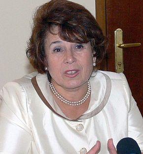 Емилия Масларова уволни свой заместник