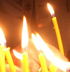 Стотици се поклониха пред покойния дядо Арсений