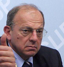 Нов ромски скандал с български евронаблюдател