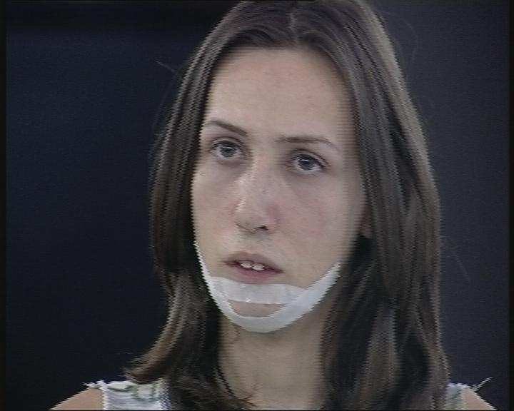 Пеньо от Биг Брадър показа новия си нос след операцията