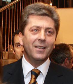 Първанов с втори мандат. Печели 75-80% от вота
