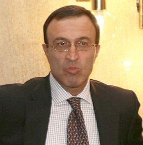 Стоянов: С моята оставка започва възраждането. Костов: Два изхода пред десницата