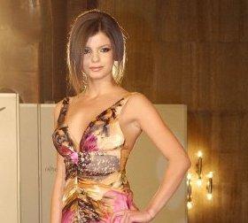 Мис България и други манекенки показаха шикарни рокли