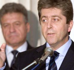 """Първанов получи """"лиценза"""" си за нов президент. Буш и Путин го поздравиха"""