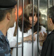 114 нобелисти искат от Кадафи доказателства