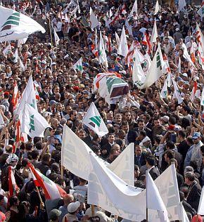 Стотици хиляди протестираха на опелото на министър Джемайел