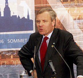 Буш ще иска още пари и войници за Афганистан