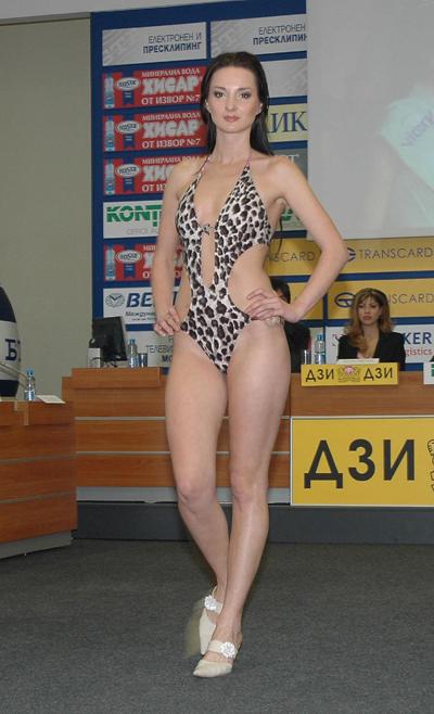 Мис Благоевград показа тоалети за Miss model of the World