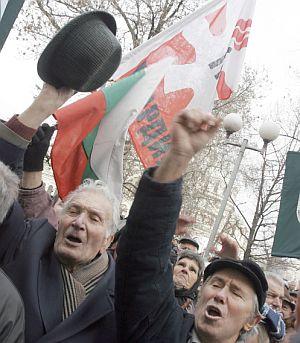 Масларова: Пенсионерите прекаляват с искания за милиарди
