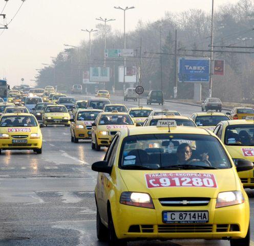 София въведе 850 лева данък за таксита