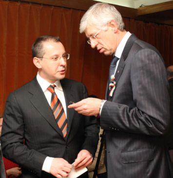 Станишев удължи почивката на Овчаров