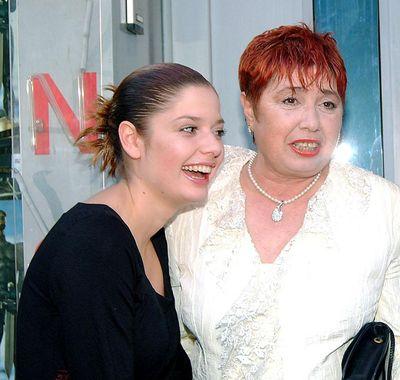 Алекс Сърчаджиева: Страхувам се да напиша книга за майка ми