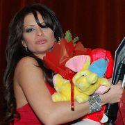Фолк певицата Преслава намали обиколката на бюста си