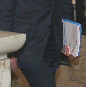 Премиерът обясни как се получават тайните папки