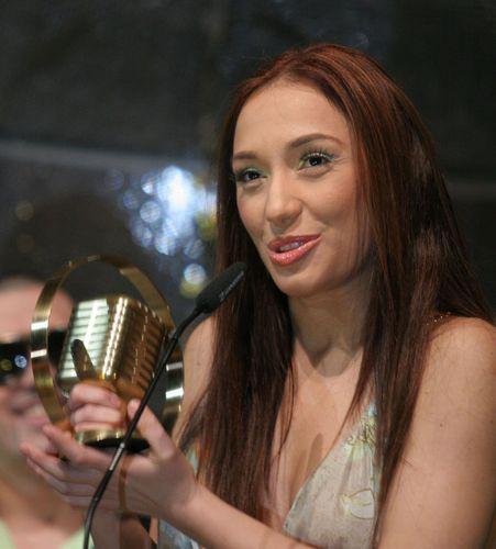 Енрике Иглесиас записва дует с Мария Илиева?