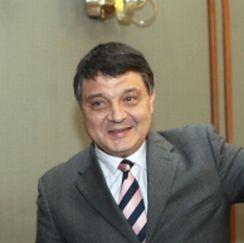 Свинаров можел да вози дъщеря си с по-скъпа кола от розово BMW