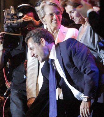 В еуфорията от победата Саркози обърка българските сестри с либийски