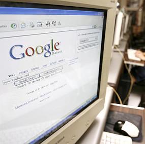 """Google обвини в """"плагиатство"""" Bing"""