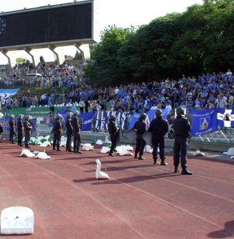 Бой между полиция и фенове на стадиона в Ст.Загора