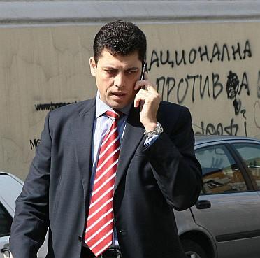 Царските депутати поискаха оставката на Велчев