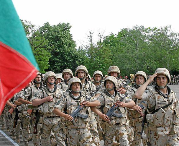 Върнаха наш военен от Кабул, прострелял французин