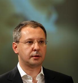 Станишев атакува учителите за частните уроци