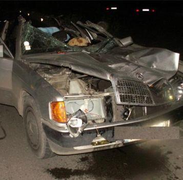 Такси излетя през мантинела и се заби в ВМW