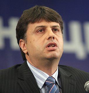 БСП изпреварва СДС с кандидат-кмета на София