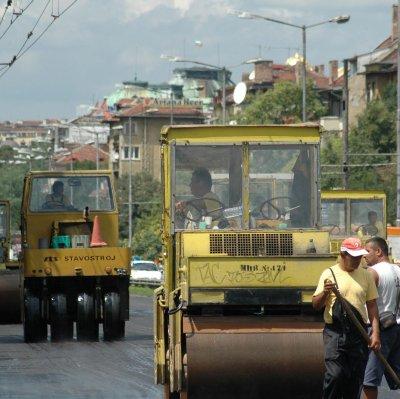 Свършиха парите за пътни ремонти в София