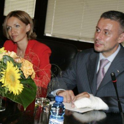 Грънчарова и Паси кумуват на д-р Ашраф