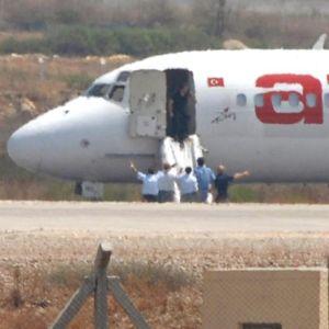 9-ма българи са пътували в похитения турски самолет