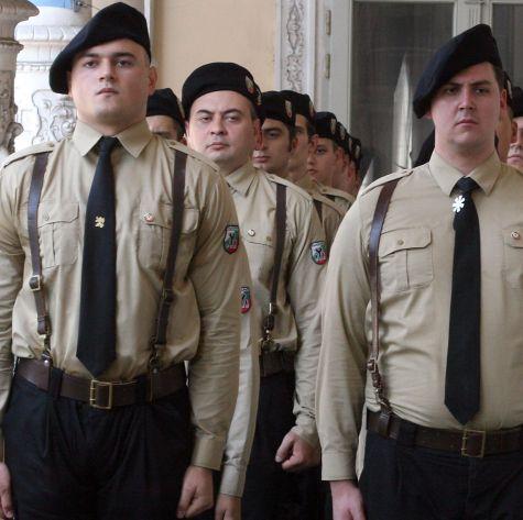 Националисти редят армия за потушаване на безредици