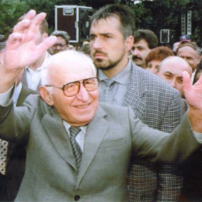 ДПА: Свалянето на Живков предотврати революция