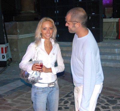 Вижте кои български знаменитости носят бяло!