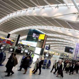 Съдят 2-ма от задържаните британци на летище Хийтроу