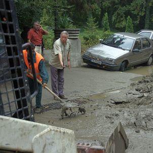 Наказват строителни фирми заради бедствието в Кюстендилско