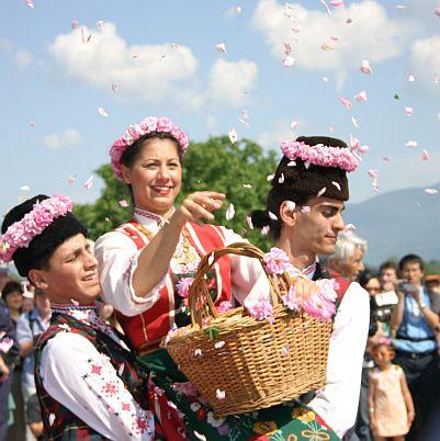 Розовото масло ни свързва с персите