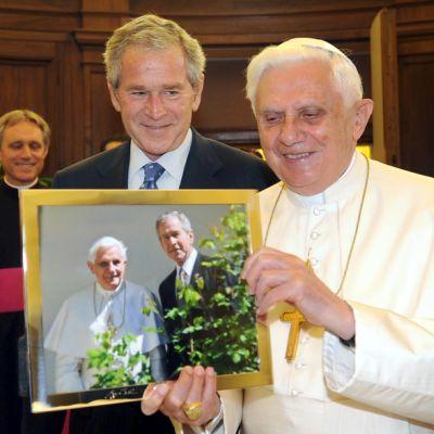 Ще стане ли Буш католик?