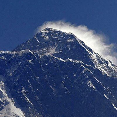Mобилен оператор покрива Еверест