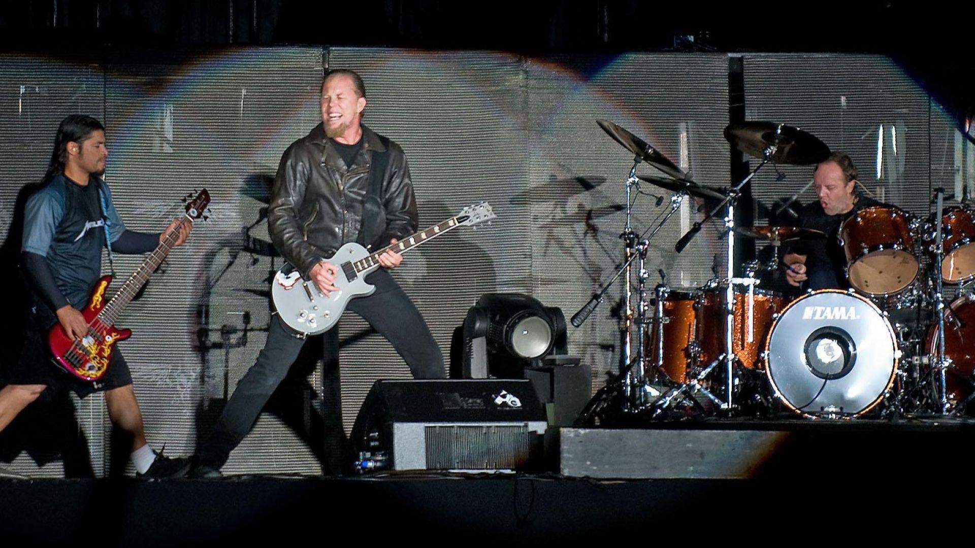 Metallica правят нов албум от разстояние
