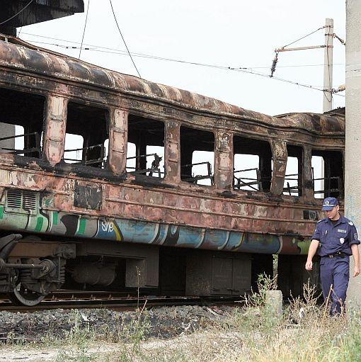 Застрахователи плащат за щетите по изгорели вагони