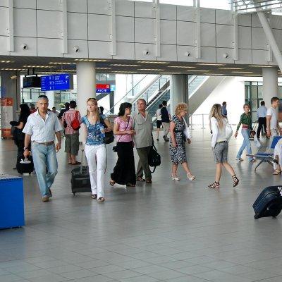 Информация от летище София - и със SMS