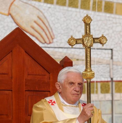 Католически свещеници в Ирландия изнасилвали деца 40 г.