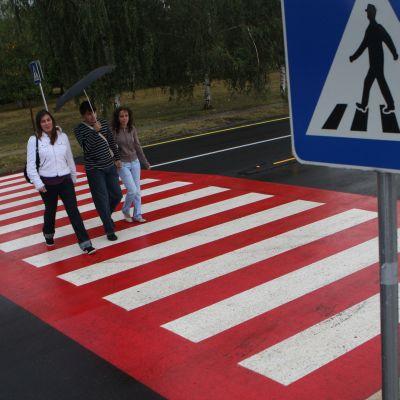 КАТ глоби 6500 шофьори, бързали на пешеходни пътеки