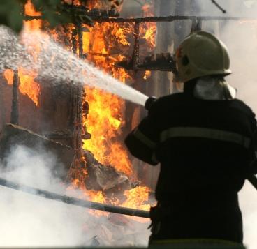 """Мъж изгоря в """"Малашевци"""", търсят бебе след пожара"""