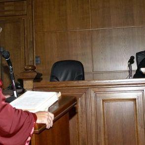 Майката на Мануела Горсова се скри от съда