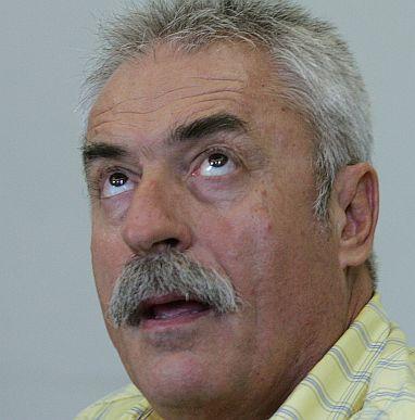 Велизар Стоилов принуден да подаде оставка