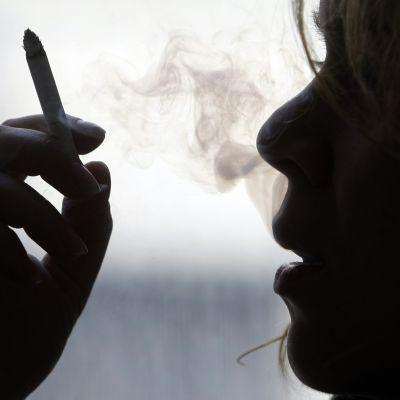 Шоков скок на акцизите за цигарите и горивата